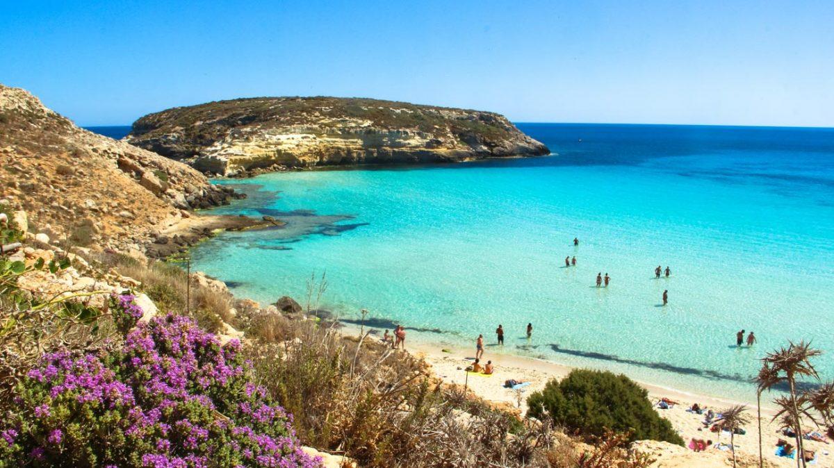 L'Isola dei Conigli è la spiaggia più bella d'Europa nel 2021 secondo Tripadvisor
